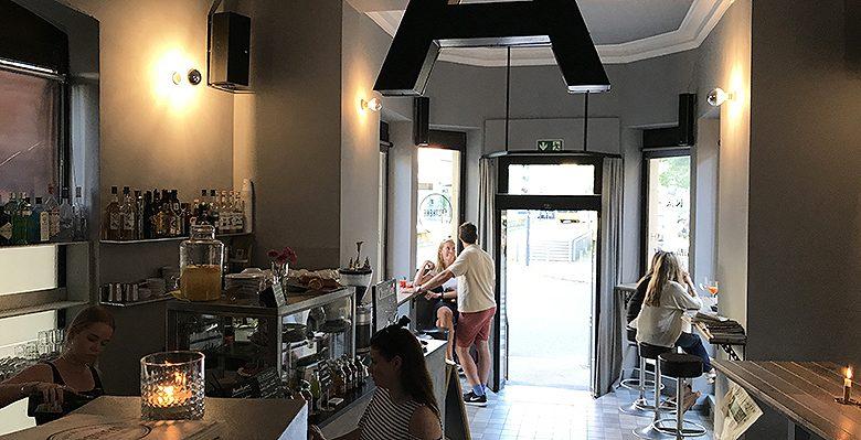 Apotheke Tagebar Café am Eugensplatz in Stuttgart